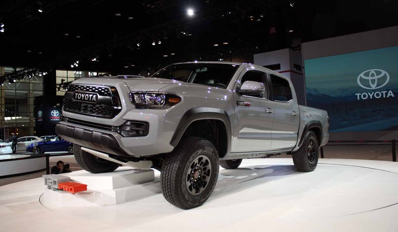 2017-Toyota-Tacoma-TRD-Pro-02